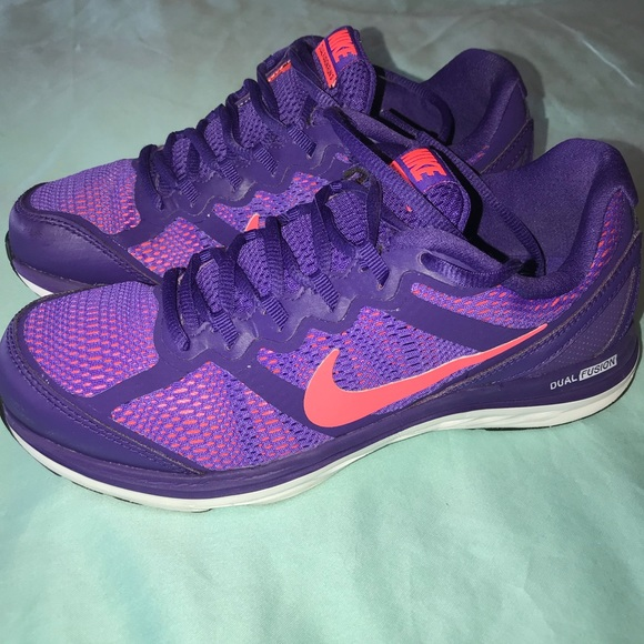 Nike Shoes - Women's Purple Nike sneakers in EUC👟😍